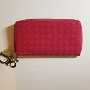 CHRISTIAN DIOR PINK PATENT LEATHER CANNAGE WALLET